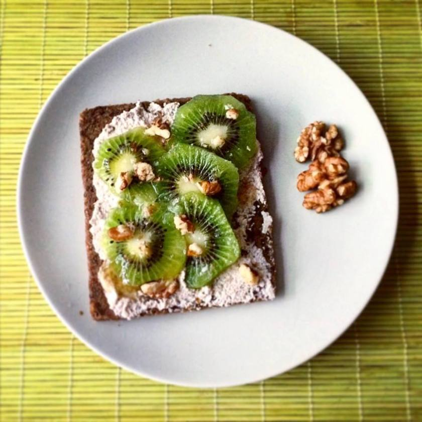 pan de linaza con kiwi